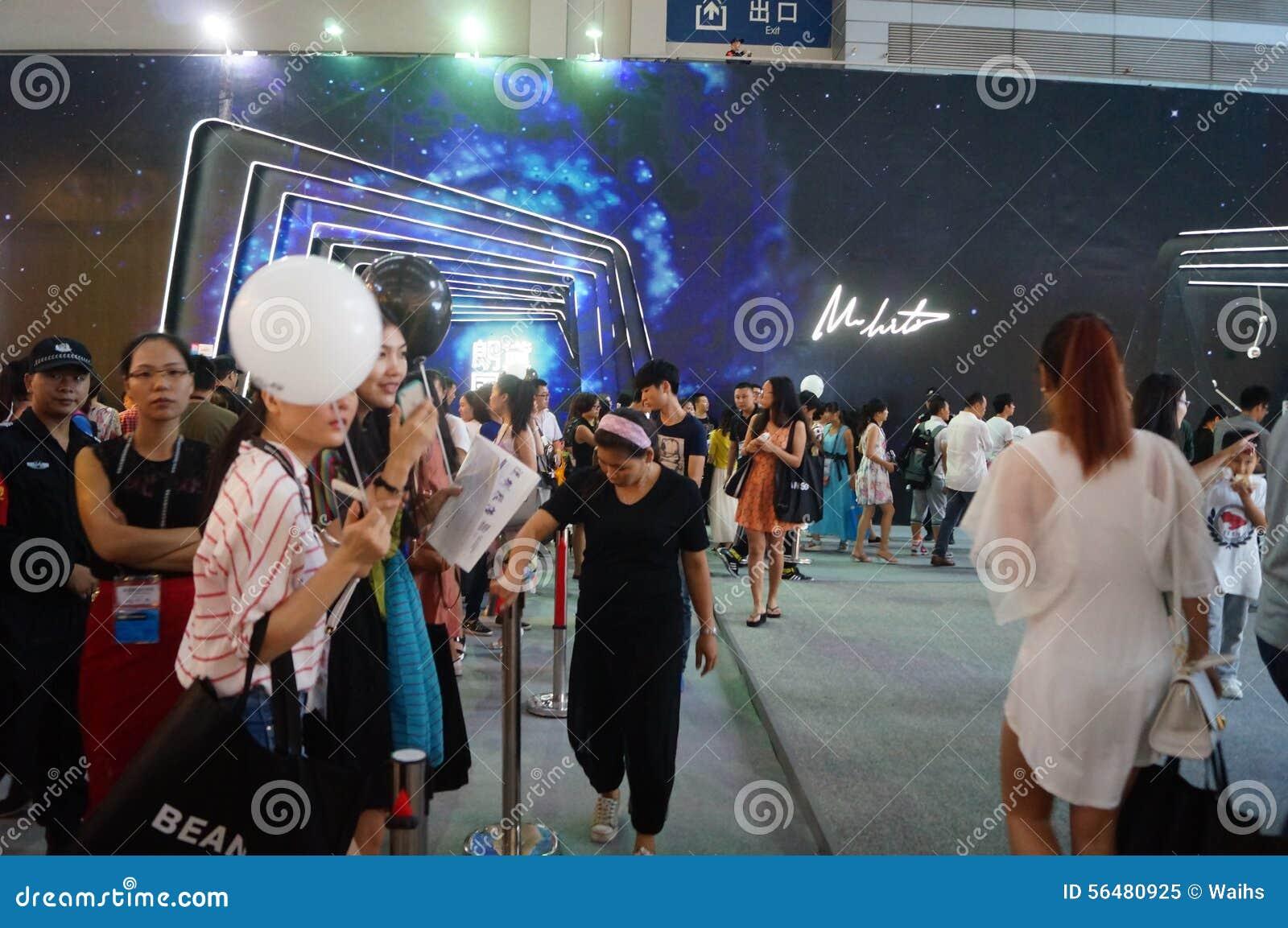 La passerelle juste d habillement international de marque de Shenzhen montre la scène