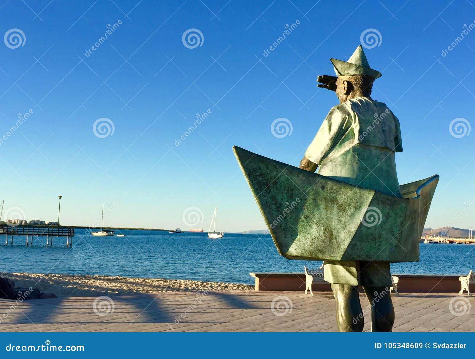 La Paz Sailor Stature
