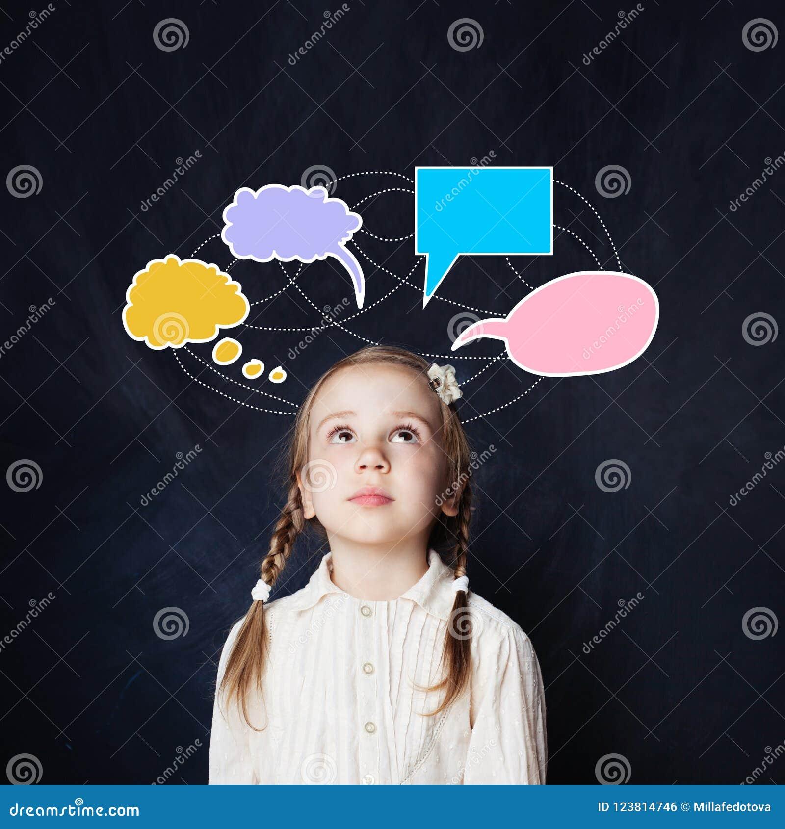 La Petite Fille Avec Le Discours Coloré Opacifie Le Dessin