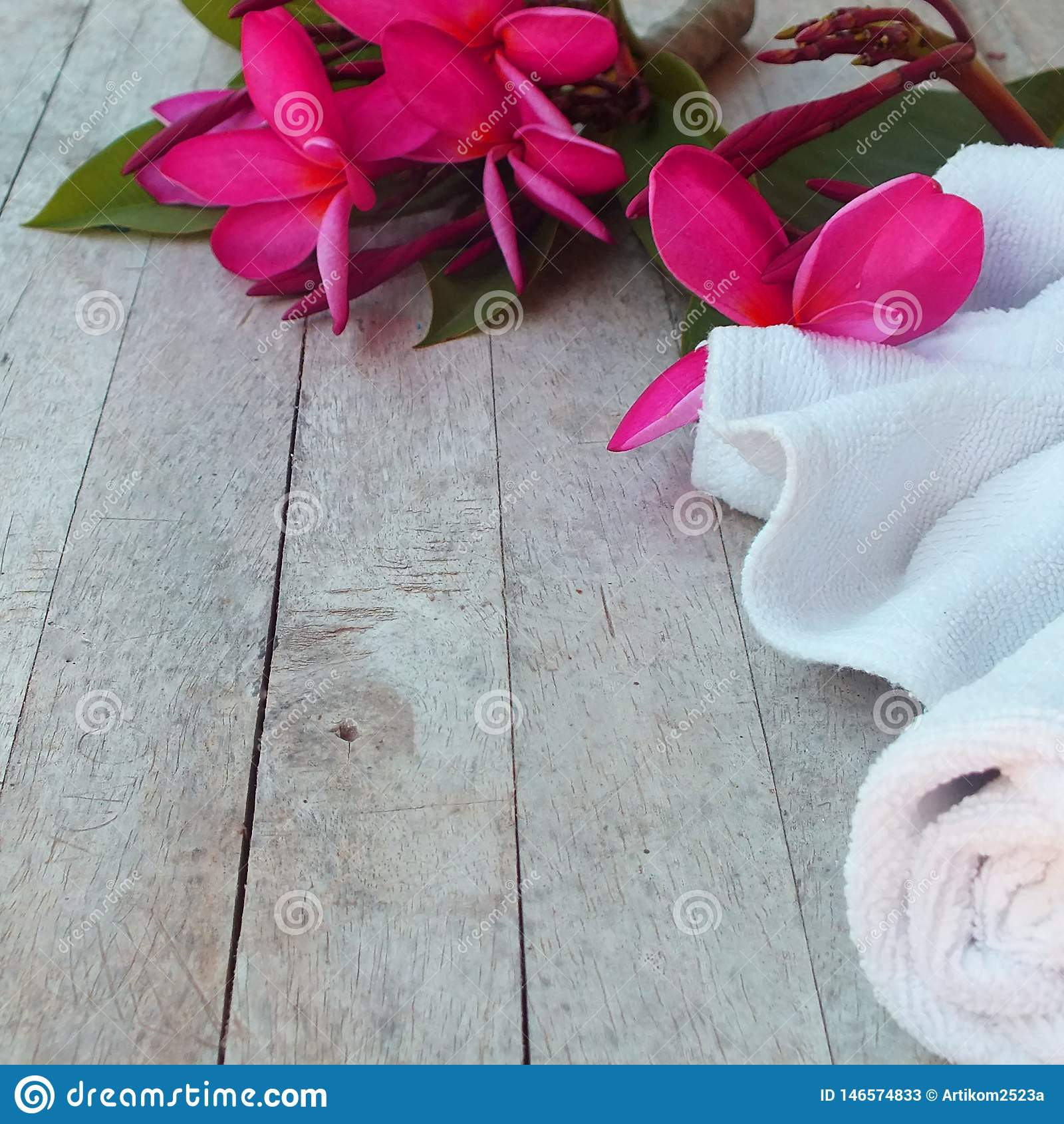 La pi?ce de massage de station thermale accueille des touristes