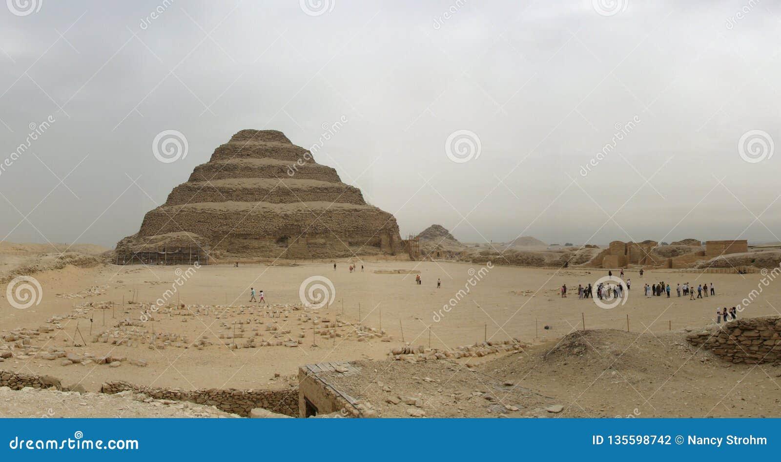La pirámide del paso de Saqqara, Egipto