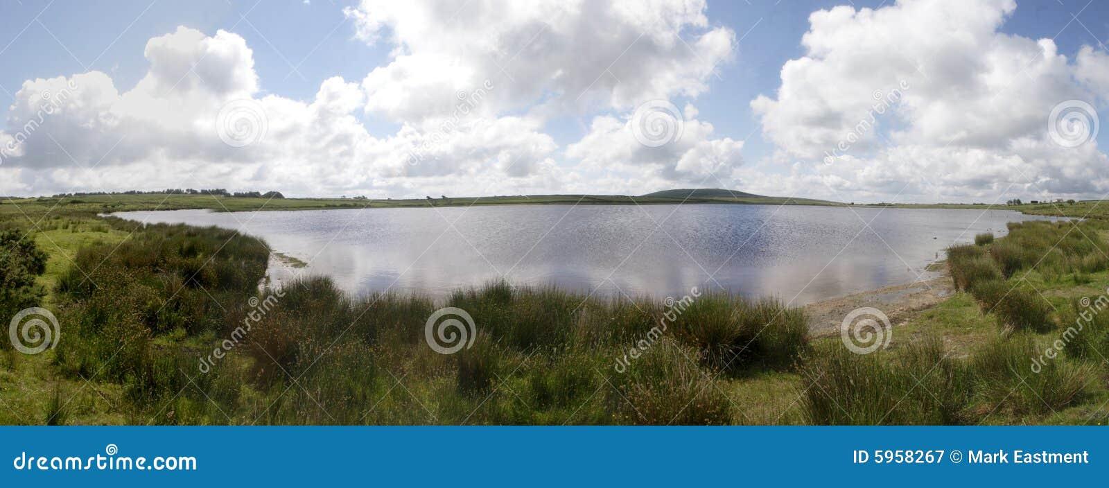 La piscina de Dozmary, Bodmin amarra, Cornualles