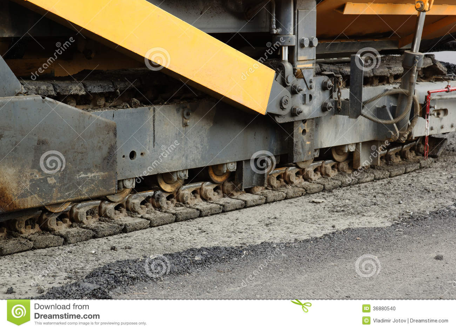 Download La Pista Della Macchina Di Pavimentazione Di Aspahlt Fotografia Stock - Immagine di strada, collare: 36880540