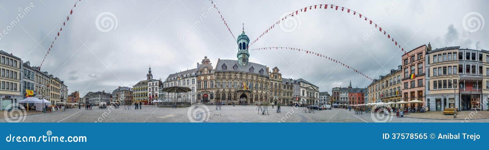 la place centrale et l 39 h tel de ville mons belgique image ditorial image 37578565. Black Bedroom Furniture Sets. Home Design Ideas