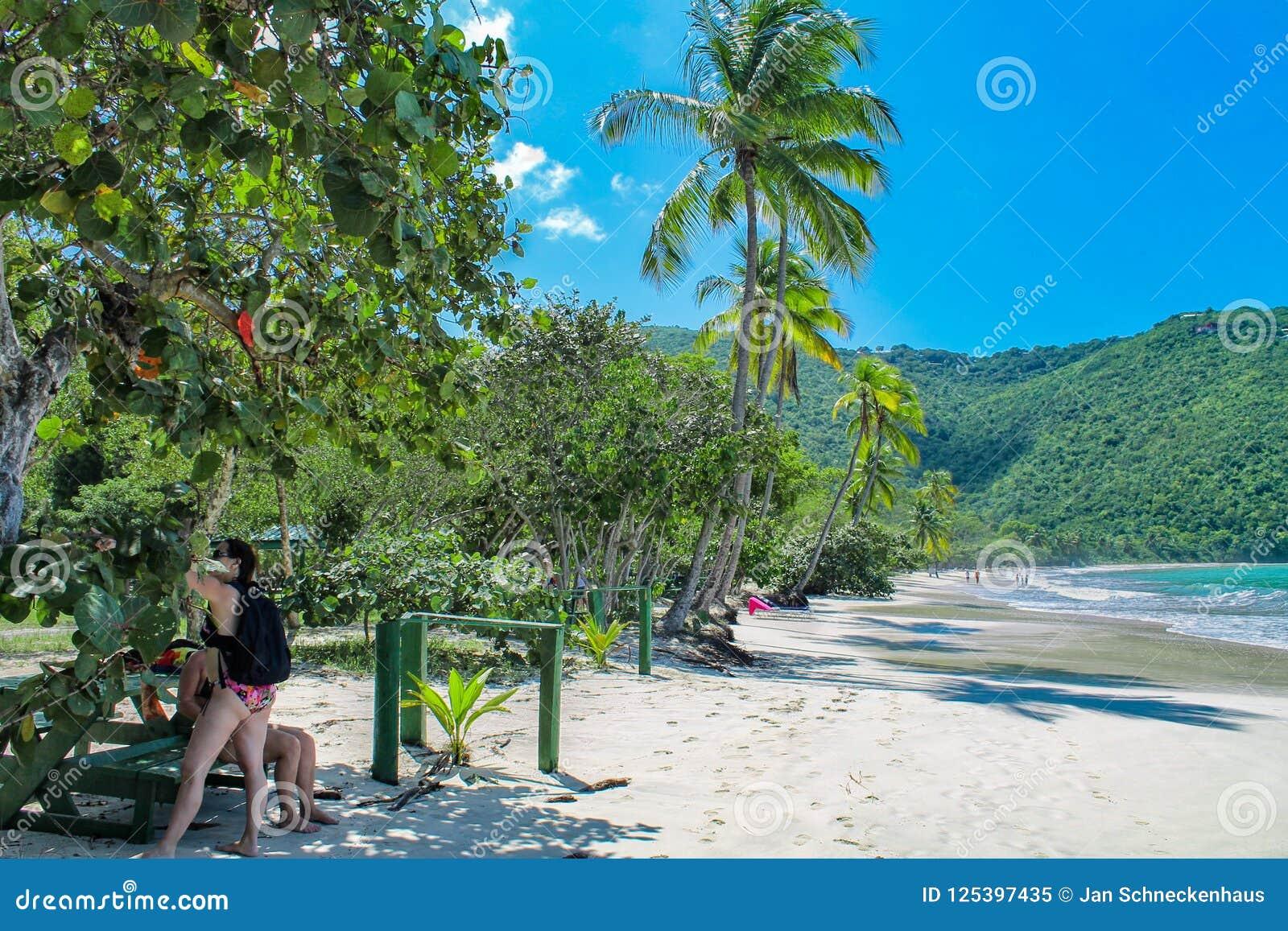 La playa en la bahía de Magens en St Thomas - Islas Vírgenes de los E.E.U.U.