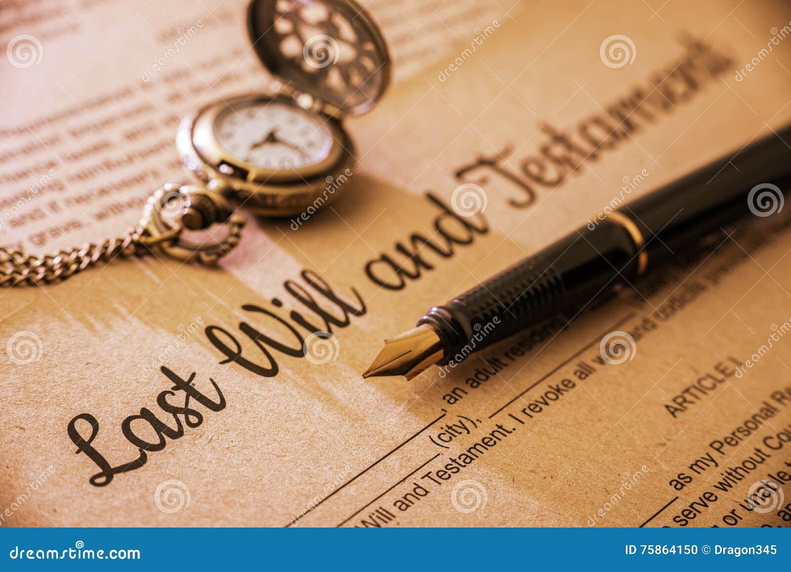La pluma, un reloj de bolsillo en un último y testamento