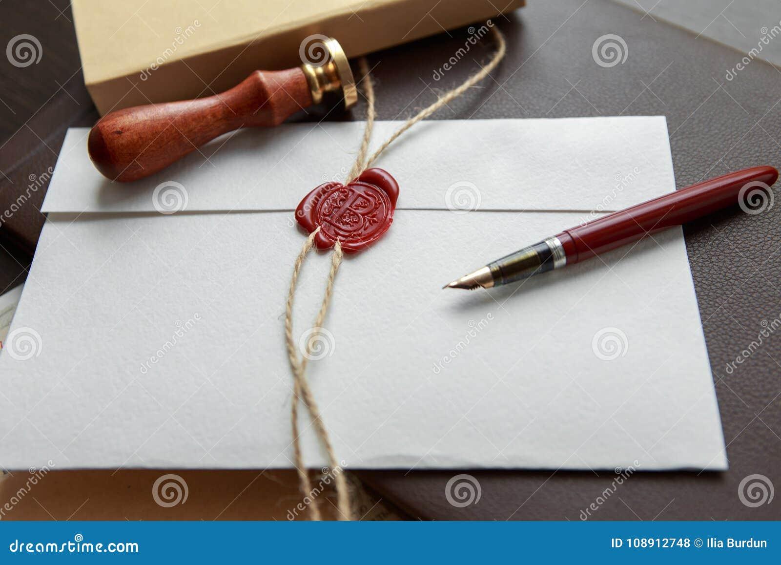 La pluma y el sello públicos del ` s del notario en el testamento y el último lo van a hacer Herramientas del notario público