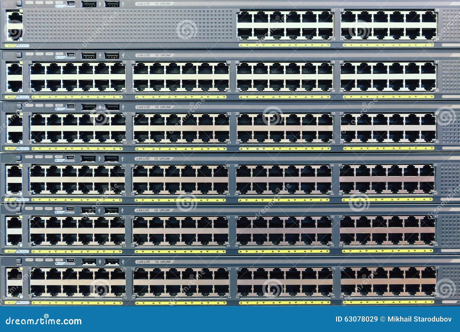 Download La Pluralité De Cuivre Met En Communication Le RJ45 Image stock - Image du tablier, réseau: 63078029