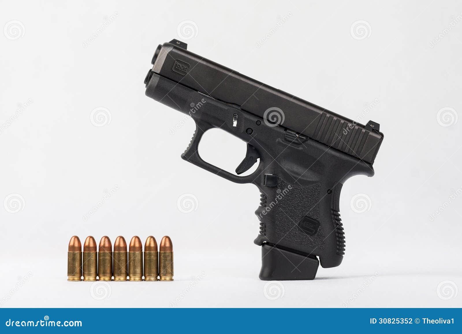 La polizia spara con munizioni