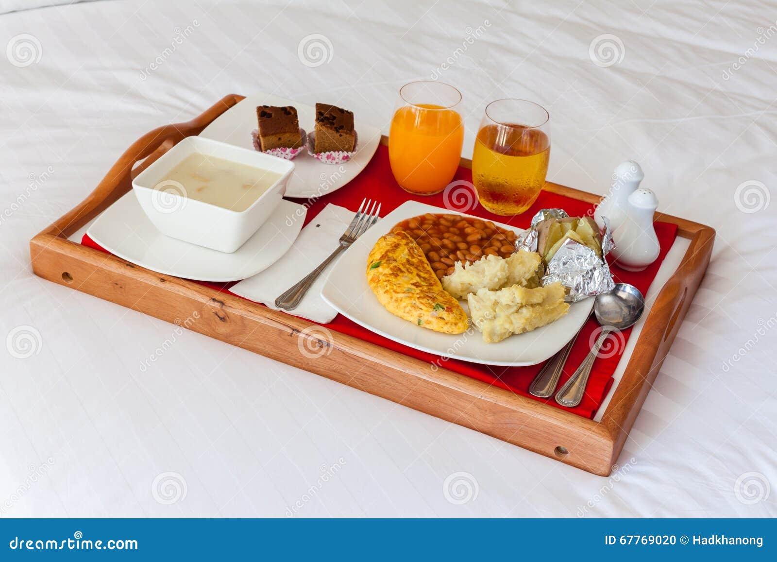 Colazione a letto immagini divertenti - Vassoio colazione letto ...