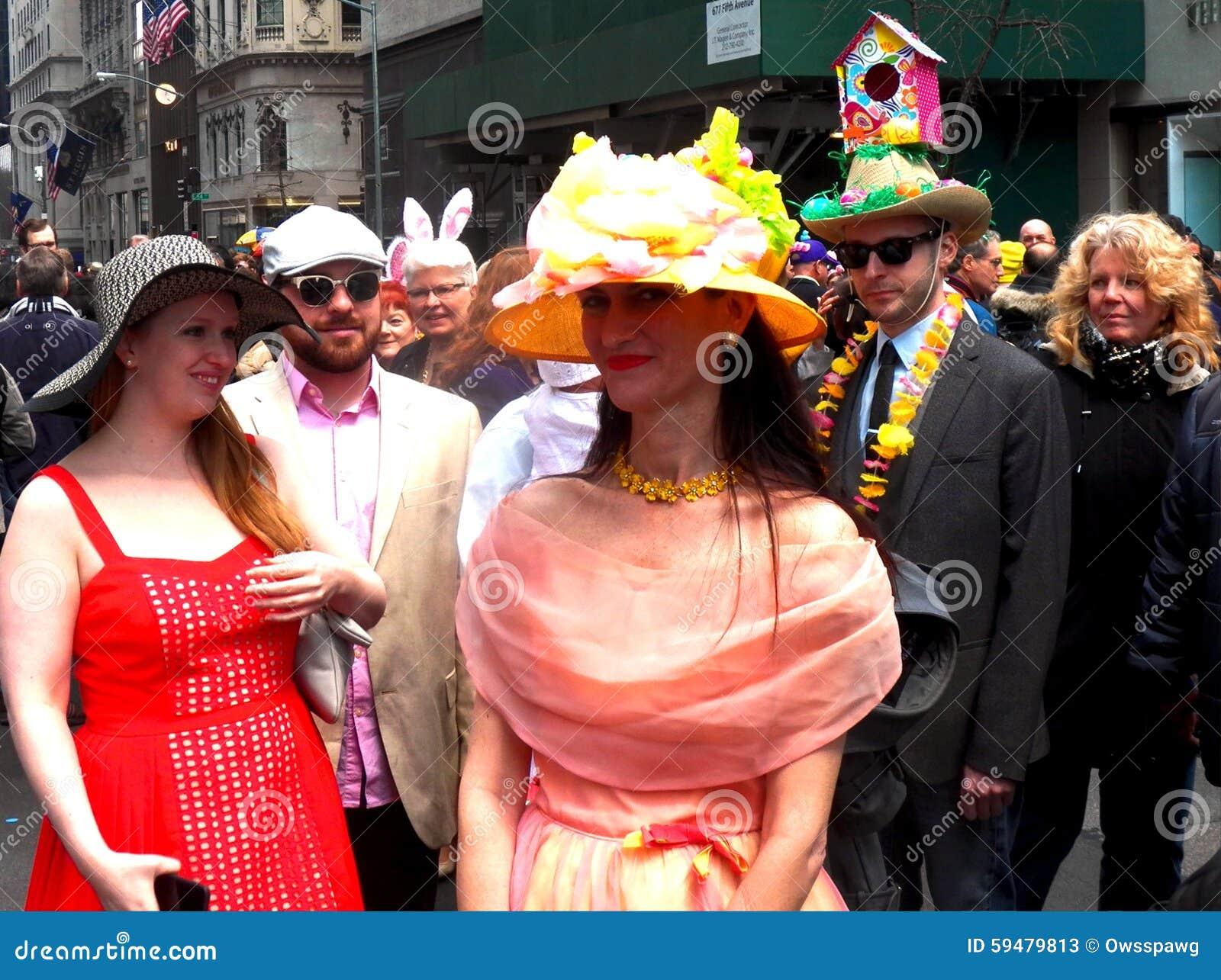 aa0343164eed1 La primavera de los sombreros del desfile de Pascua colorea New York City
