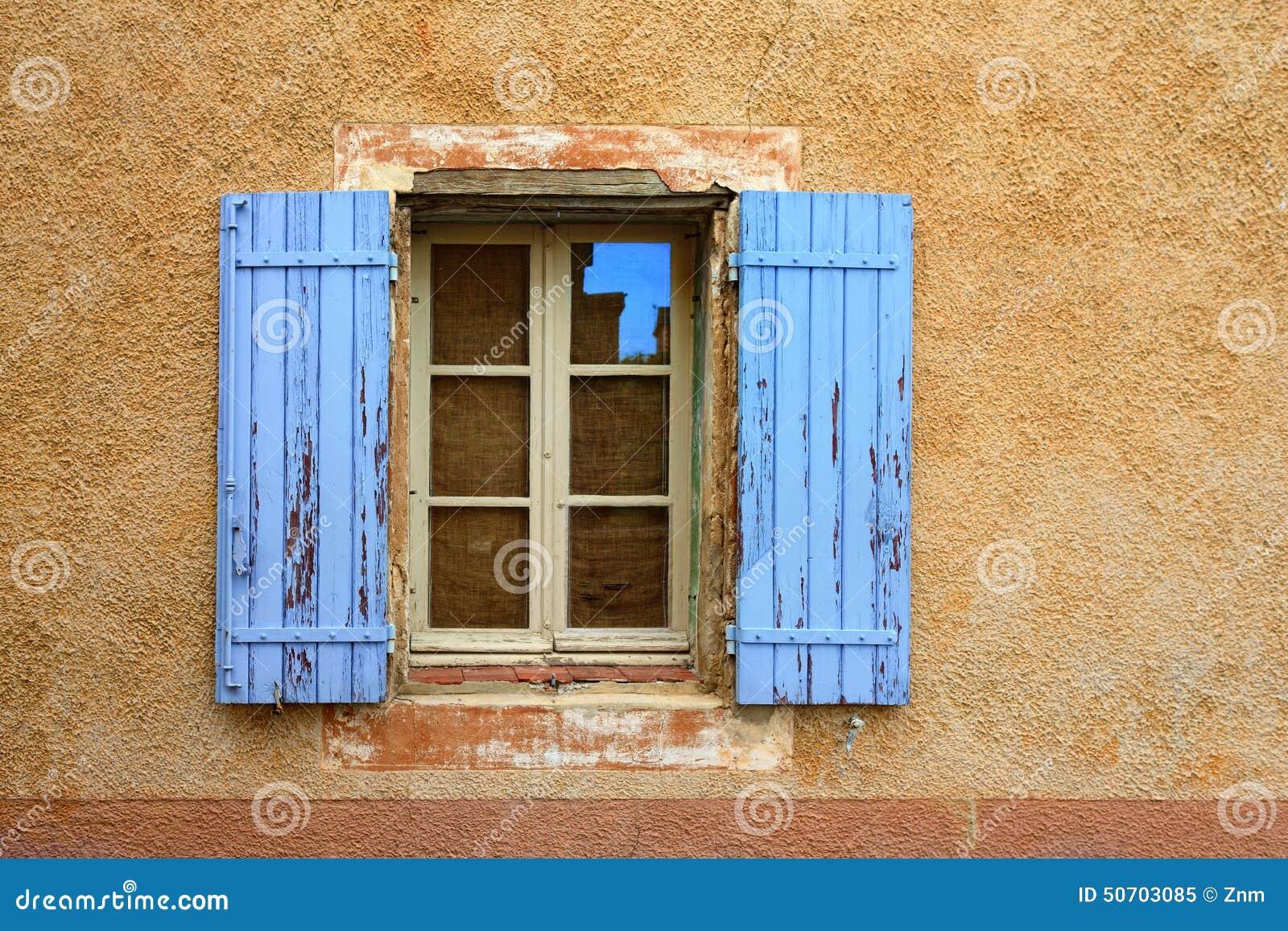 Couleur Volet En Provence la provence, france - fenêtre ouverte image stock - image du