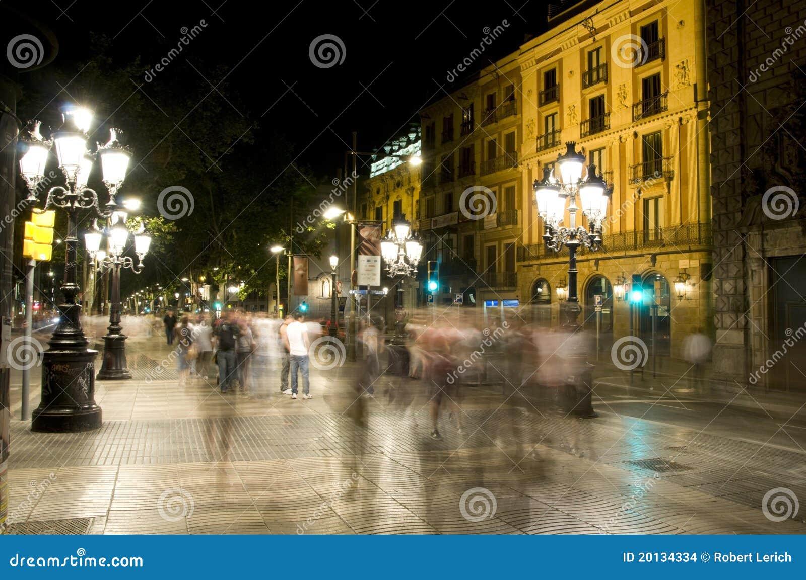 La rambla barcellona di scena di notte fotografia stock for Hotel sulla rambla a barcellona