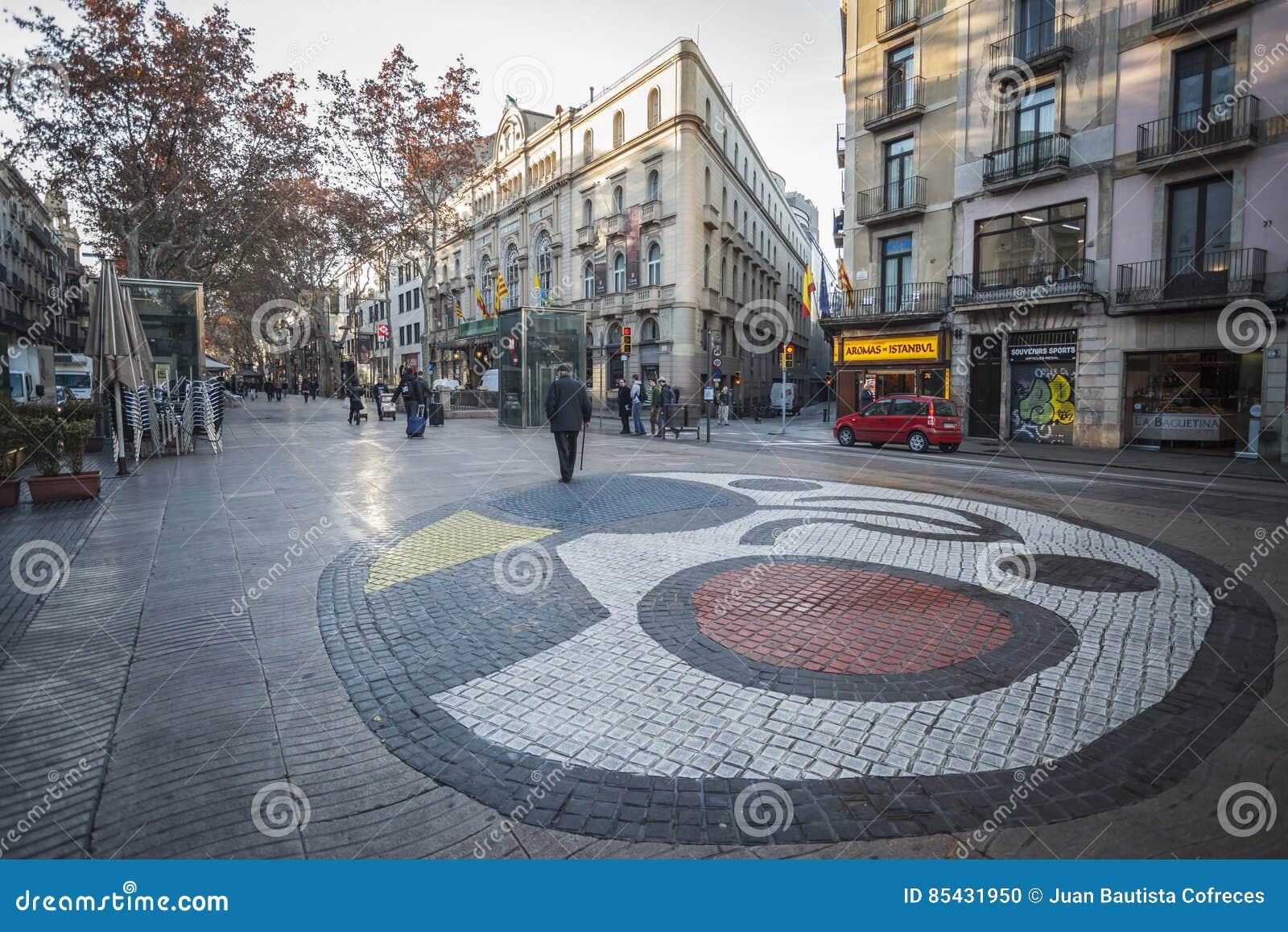 La Rambla, mosaico in pavimentazione, da Joan Miro, situato in Pla de la Boqueria, Barcellona
