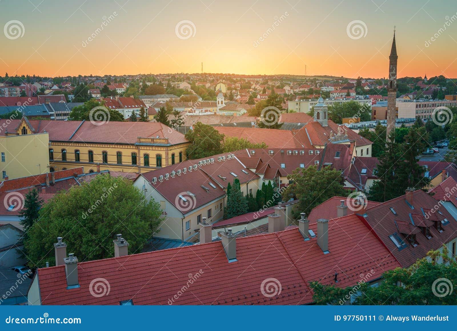 La región hermosa del vino de Eger en Hungría