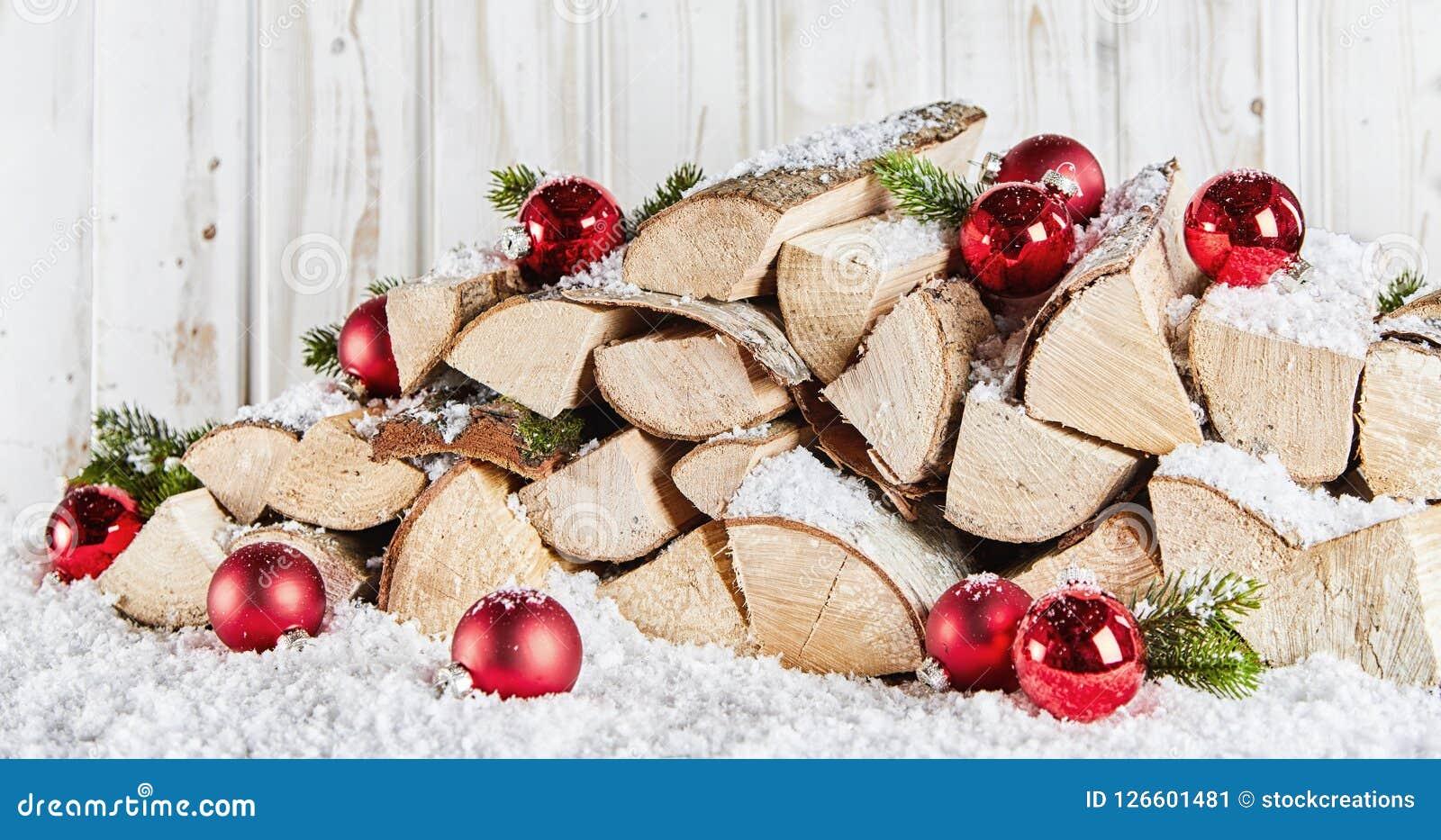 La reserva del invierno de la madera abre una sesión nieve en Navidad