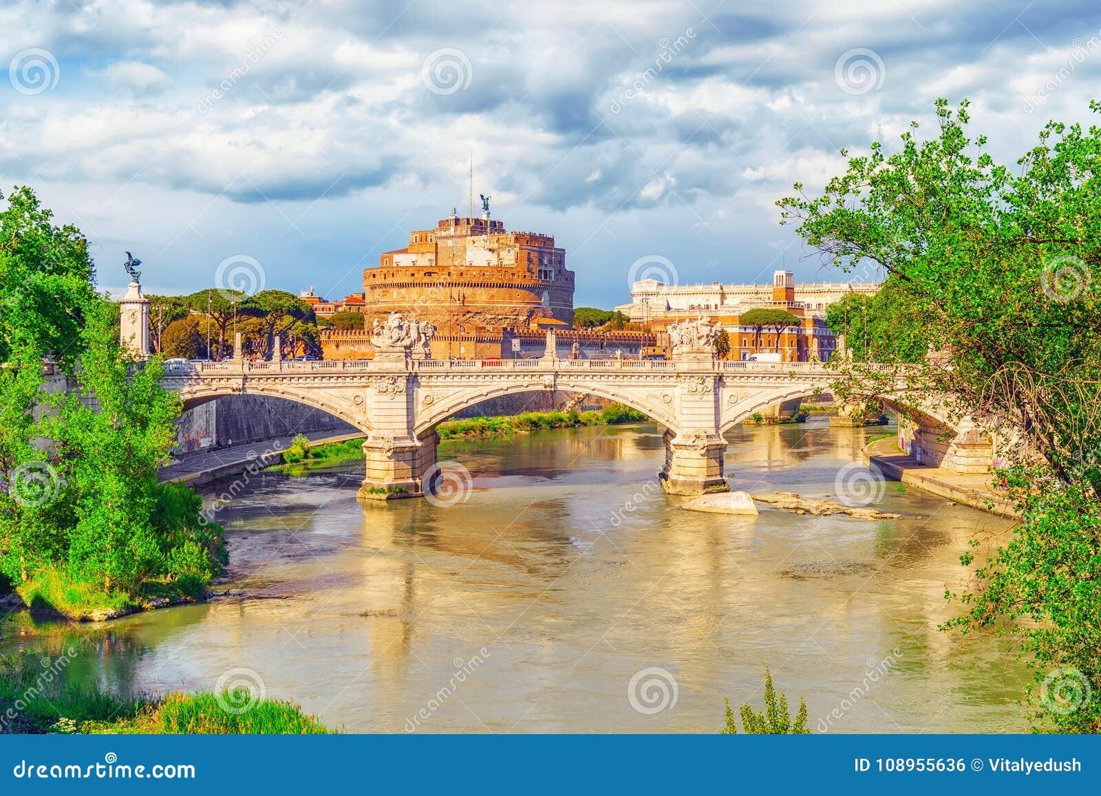 La rivière du Tibre, ` Angelo Bridge, ` Angelo Castle de Ponte Sant de Sant r