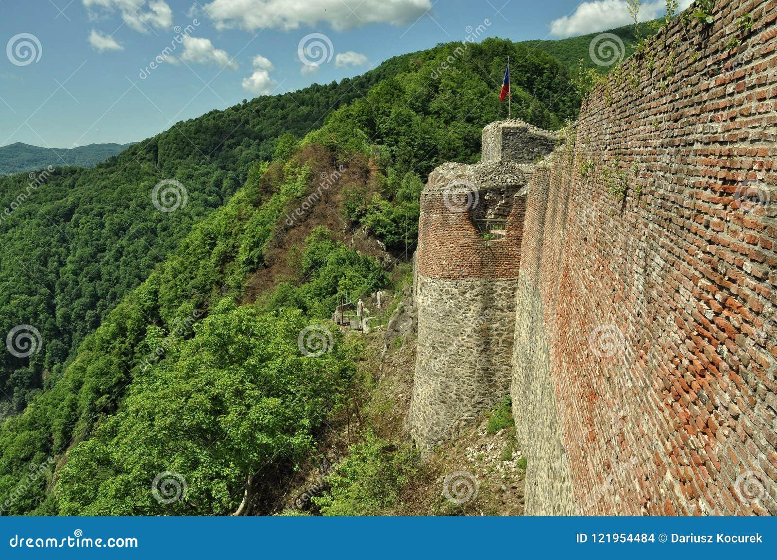 La Roumanie, château de ruines de Dracula