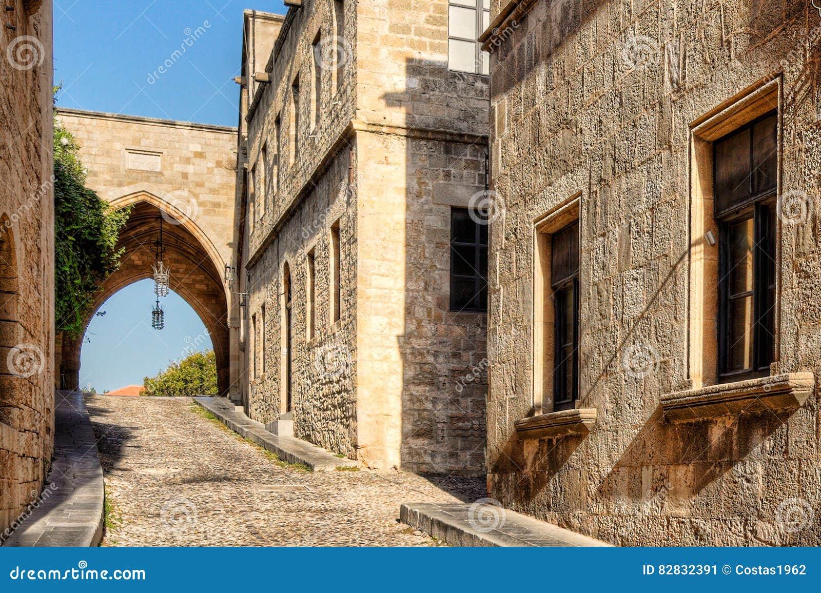 La rue des chevaliers en Rhodes, Grèce