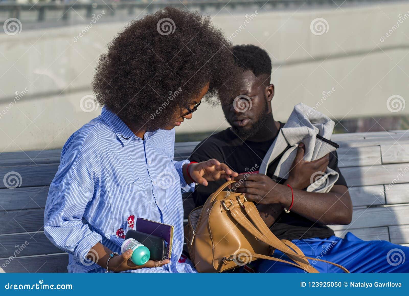 La Russia, Mosca, il 4 agosto 2018, studenti afroamericani, editoriali