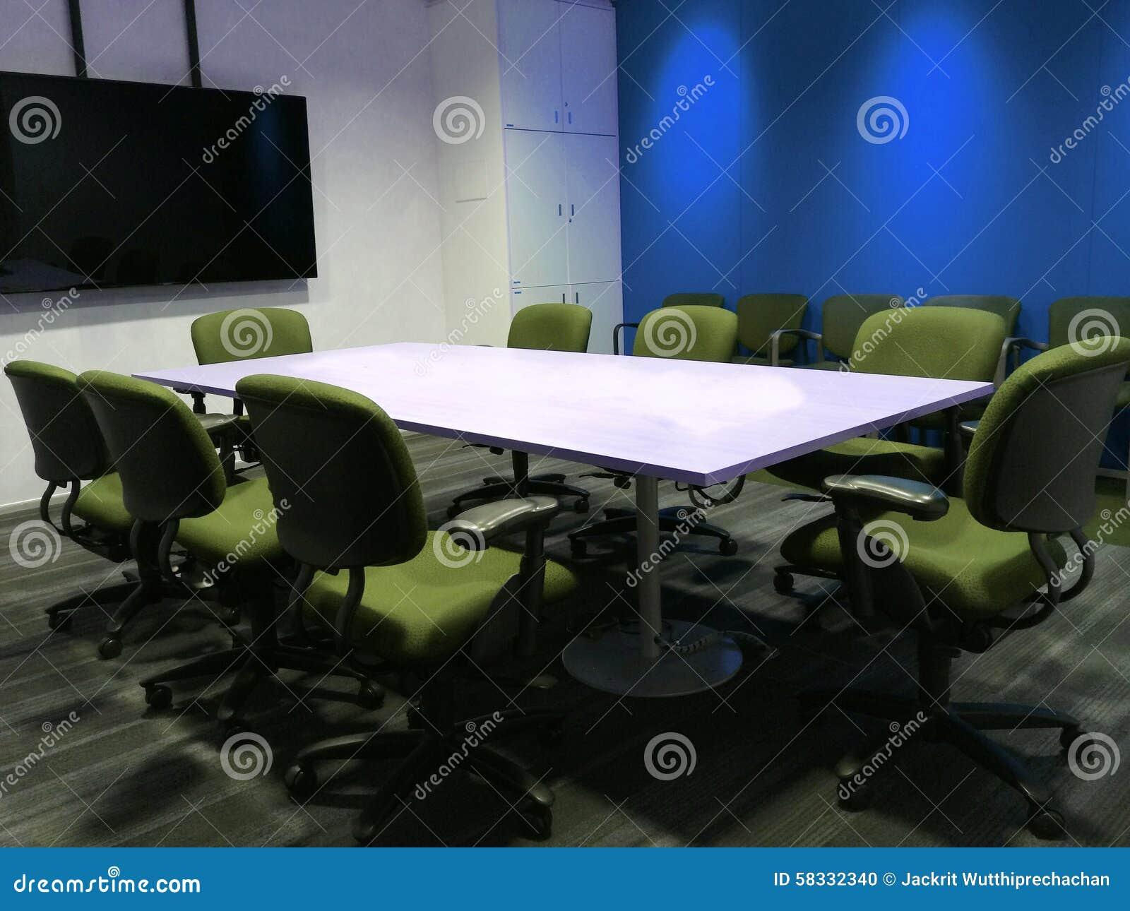 La Sala Riunioni Vuota Con La Tabella Di Conferenza E Le ...