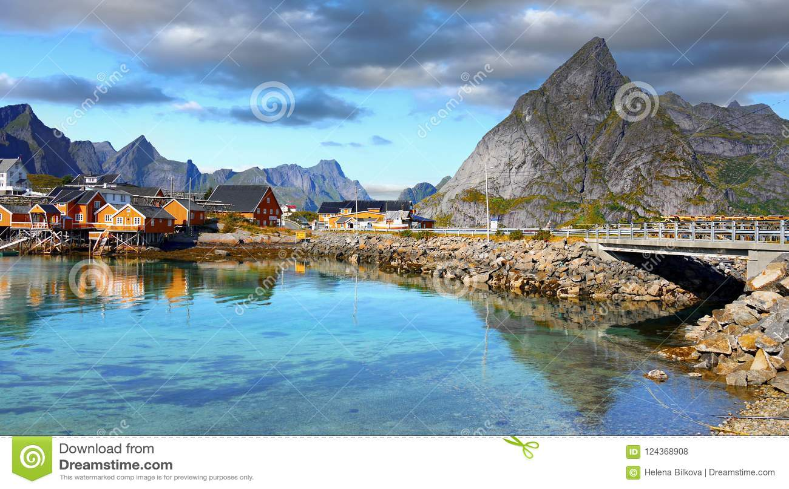 La Scandinavia, Norvegia, paesaggio irregolare nordico, isole di Lofoten
