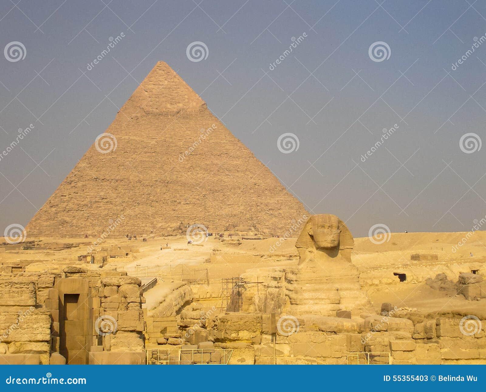 La Sfinge e la grande piramide