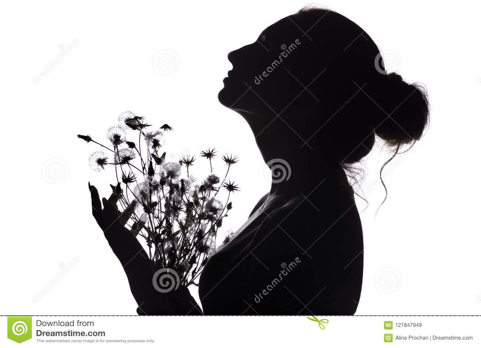 La Silhouette De La Fille Avec Un Bouquet Des Fleurs Profil De
