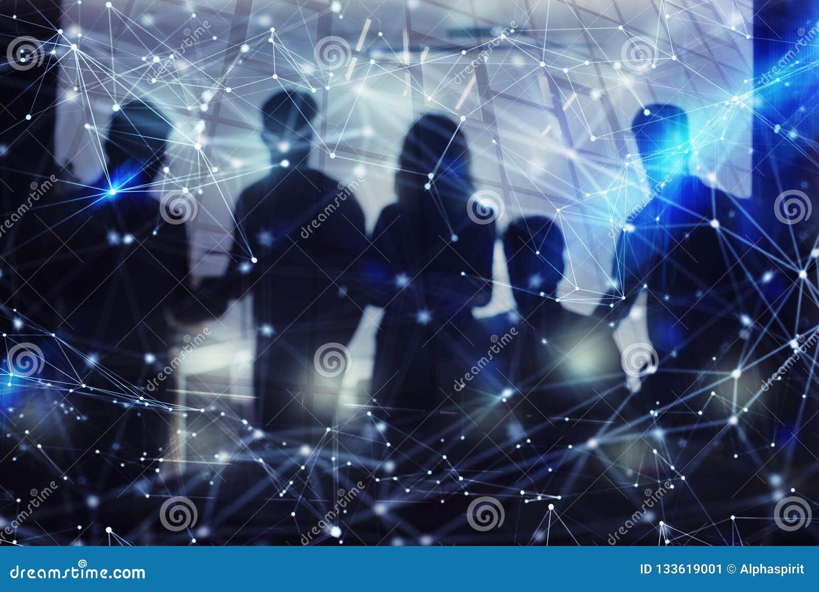 La silueta de hombres de negocios trabaja junta en oficina Concepto de trabajo en equipo y de sociedad exposición doble con la re