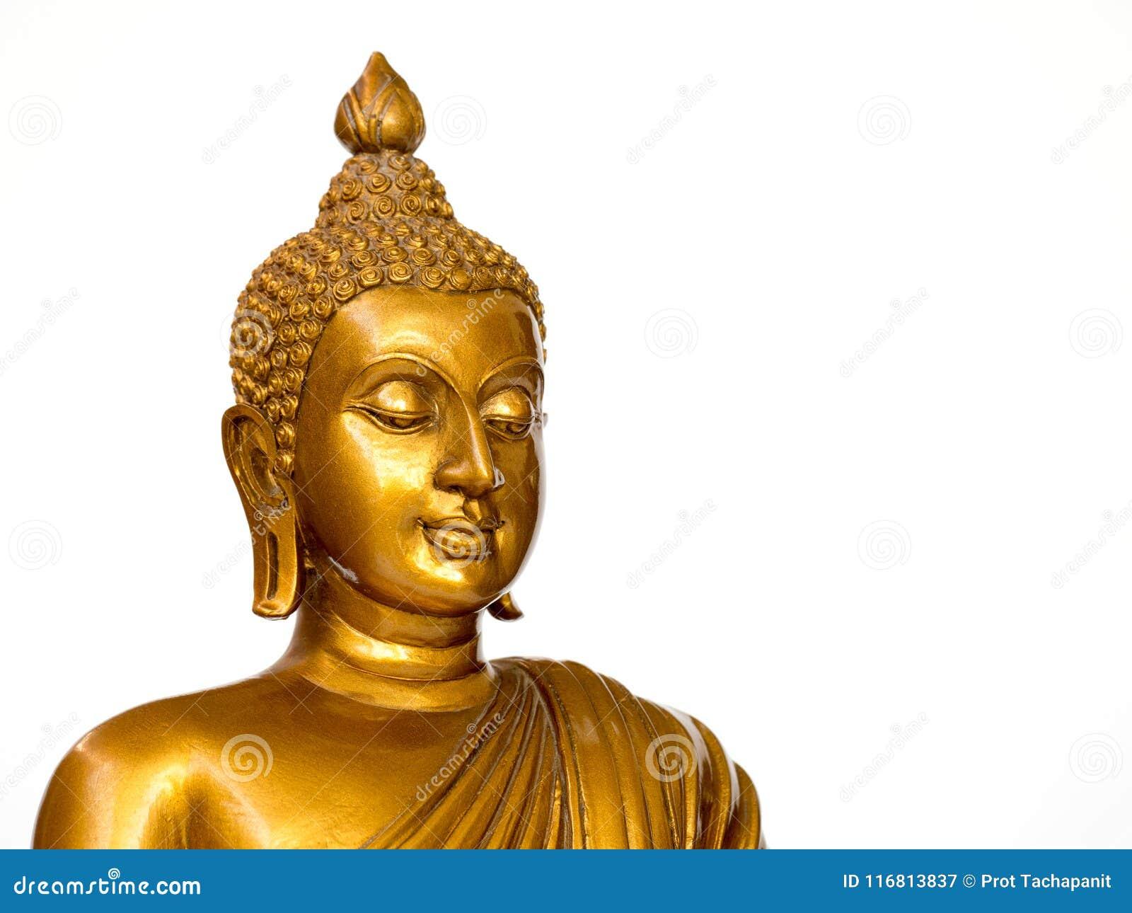 La statua antica dorata di Buddha sui precedenti bianchi ha isolato il fondo Il fronte del Buddha si è girato verso la destra