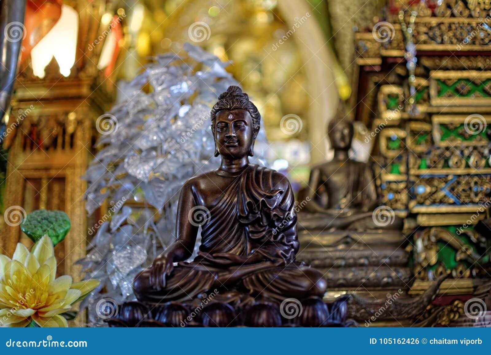 La statue de Bouddha : Foi dans la religion