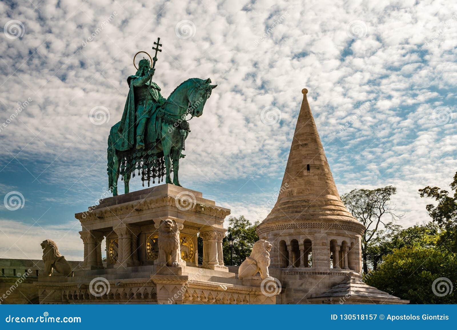 La statue du Roi Saint Stephen à Budapest