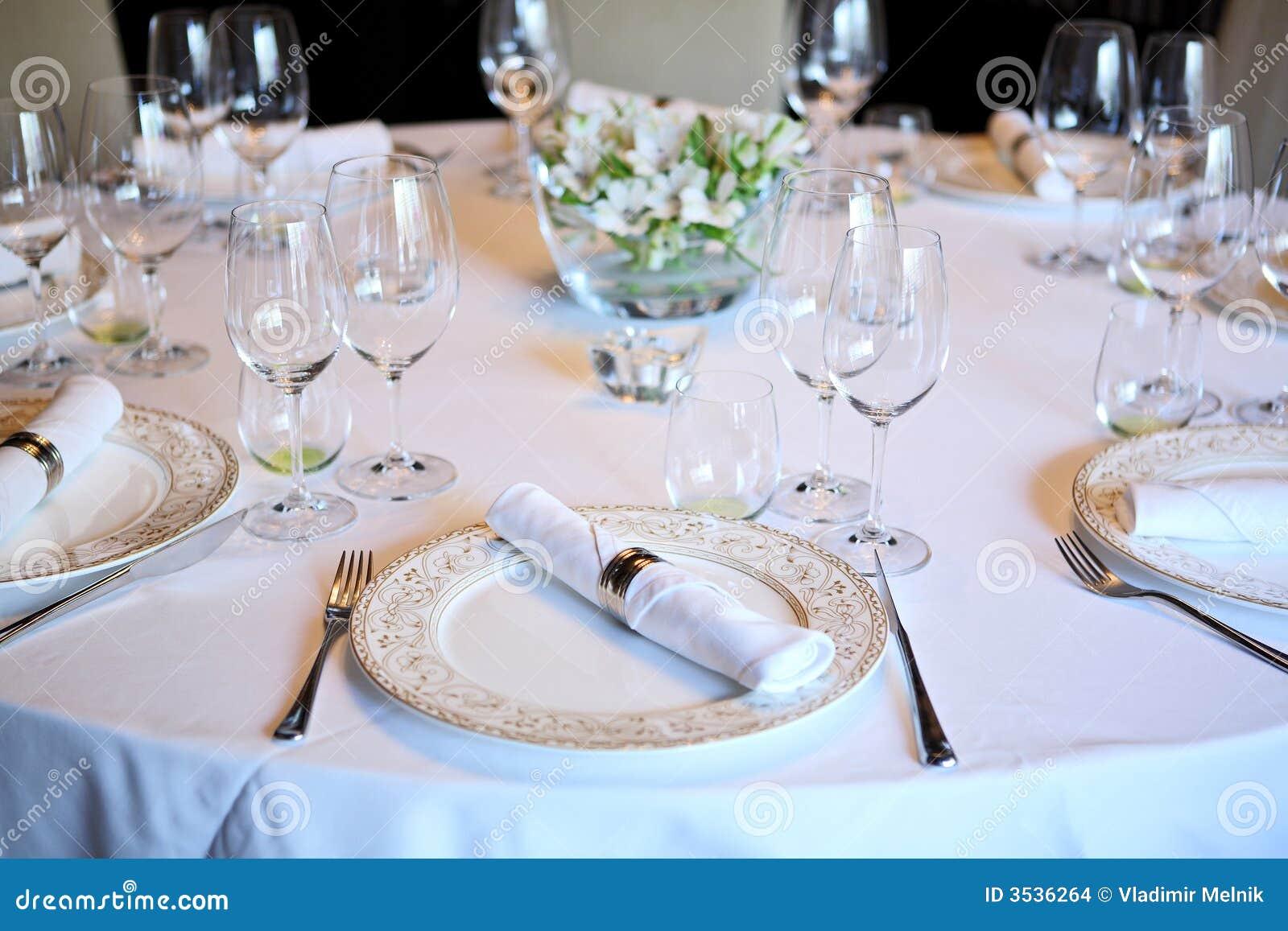 La table de fantaisie a placé pour un dîner