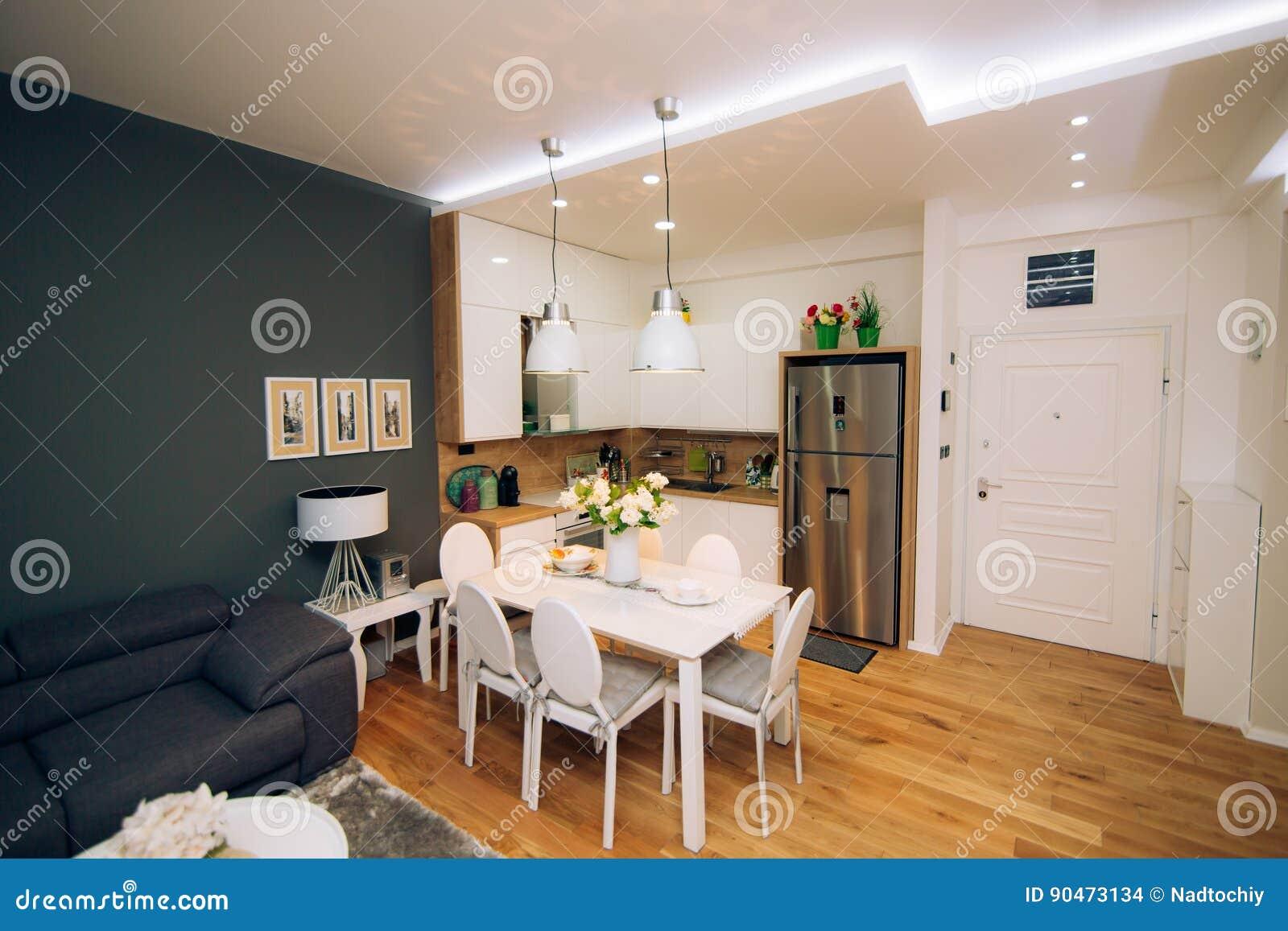 La Table De Salle A Manger Dans L Appartement Tableau Pour Le