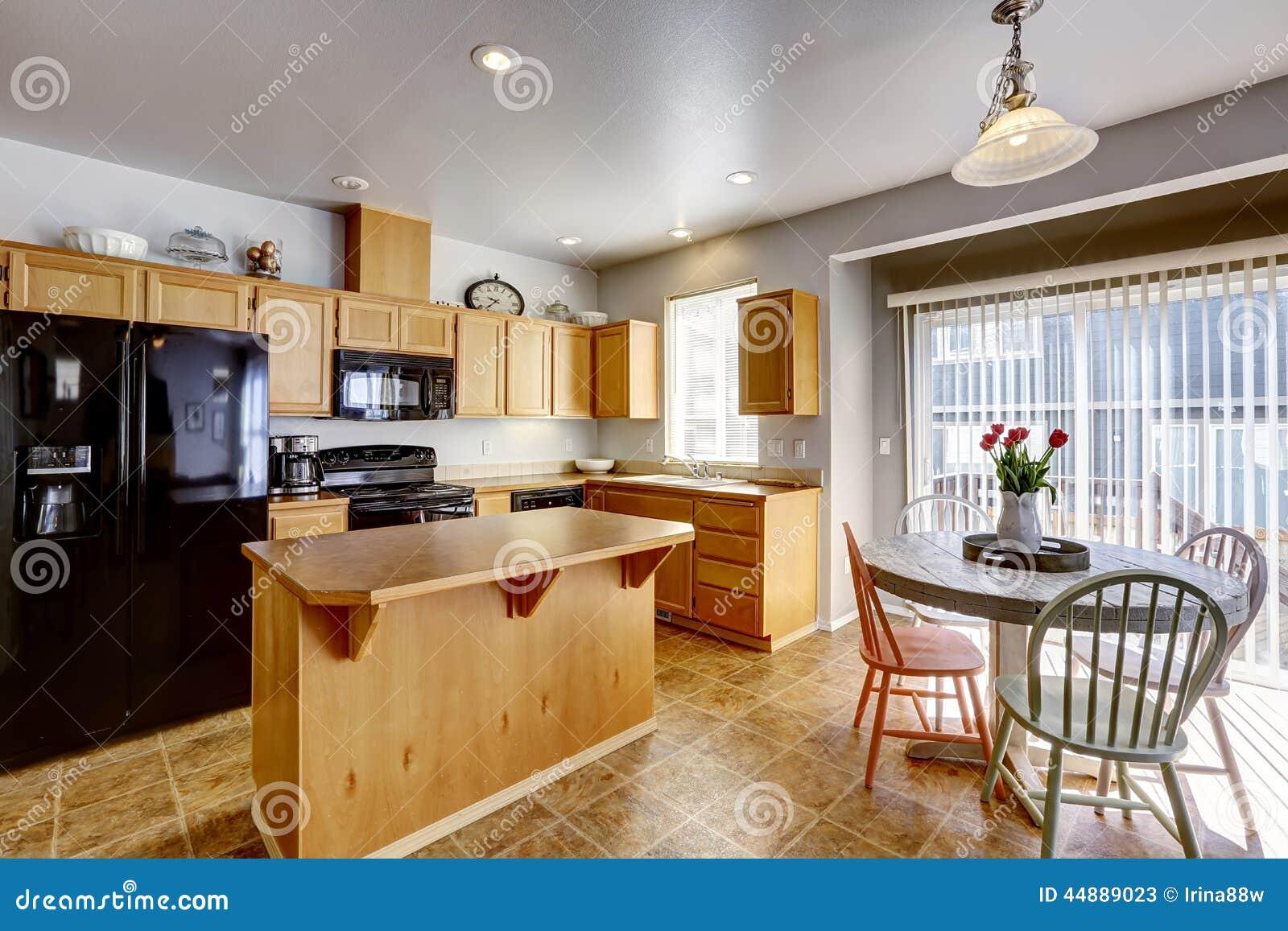 La table de salle manger rustique a plac avec des for Table de salle a manger rustique