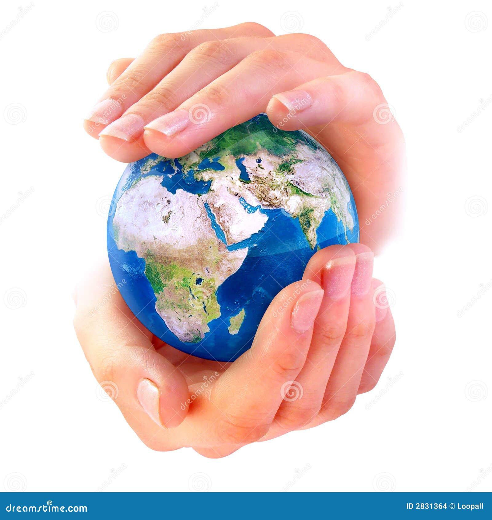 La terre dans des mains