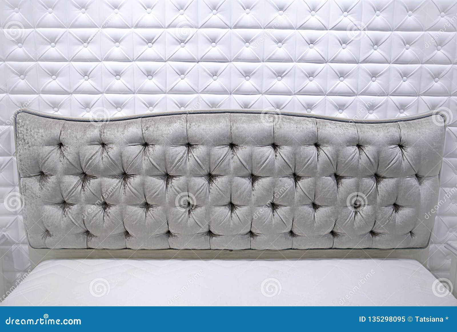 Lit Avec Tete De Lit Matelassé la texture du tissu de chenille pour la tête de lit