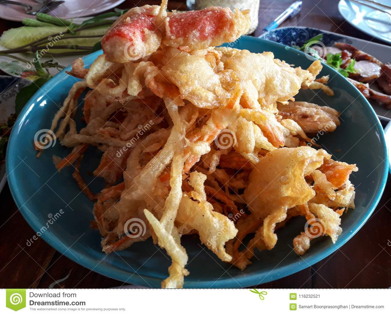 La Thaïlande est une salade populaire, nourriture frite de la Thaïlande, aigre, doux, salé et des ingrédients épicés seront appor