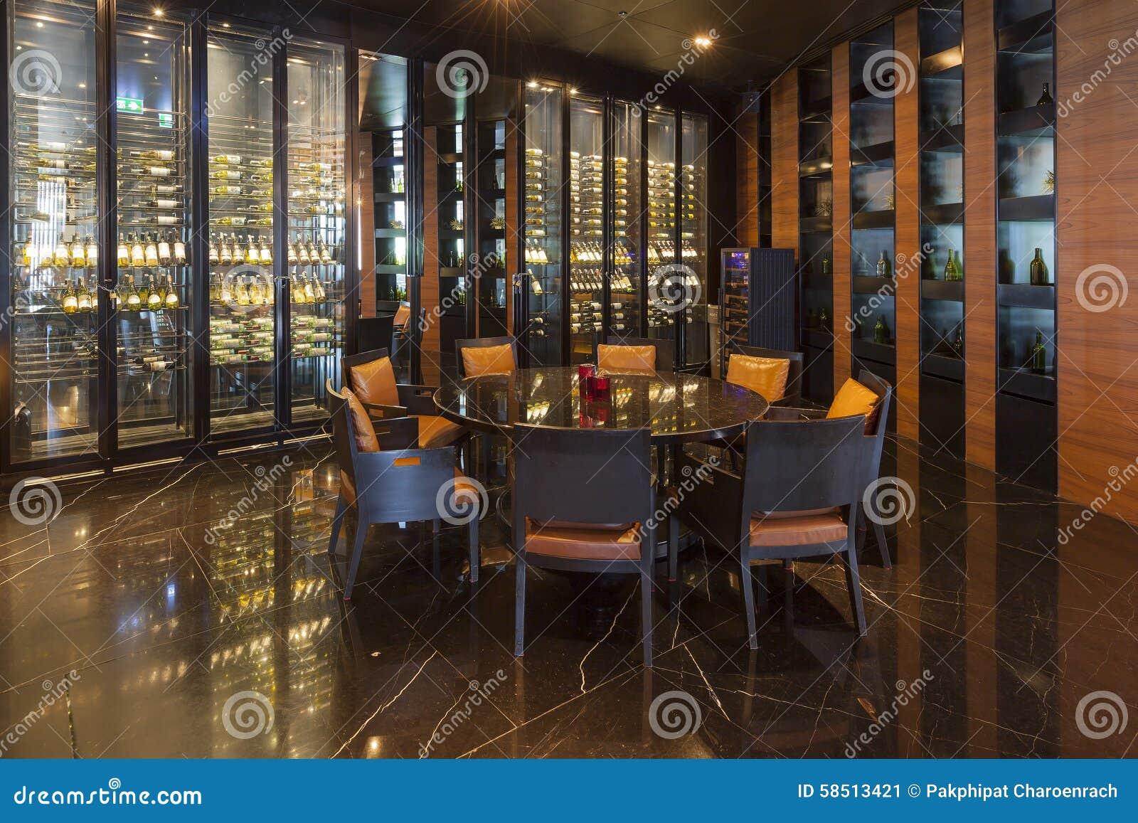 La tienda y el restaurante de vino del distrito en Bangkok Marriott hotel
