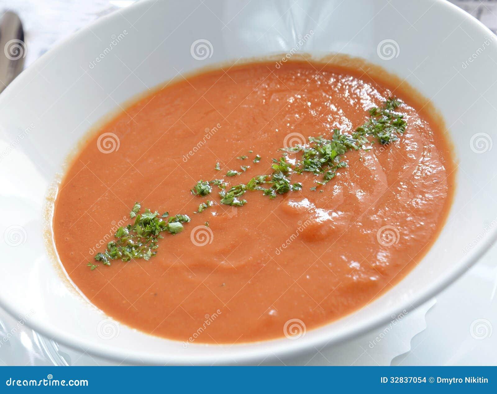 la tomate froide espagnole a bas le gazpacho de soupe. Black Bedroom Furniture Sets. Home Design Ideas