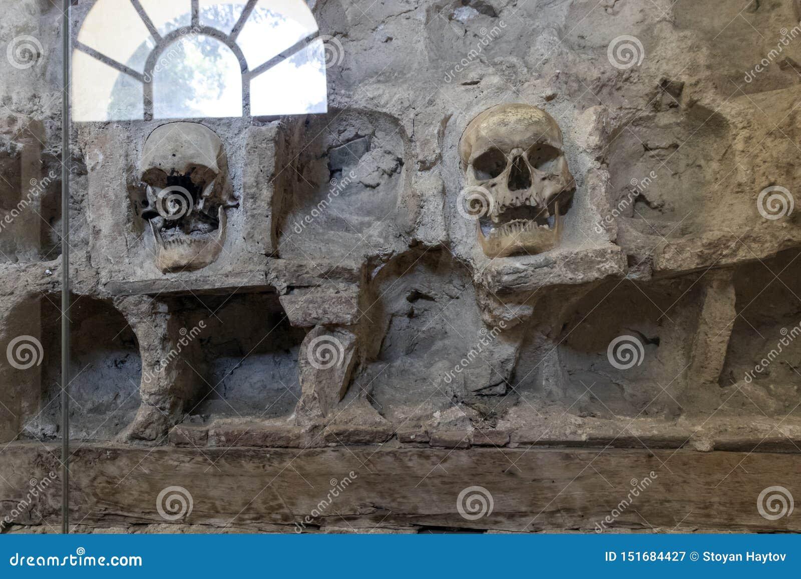 La torre Cele Kula del cranio - costruito dai 3000 crani dei guerrieri serbi morti dopo la rivolta in 1