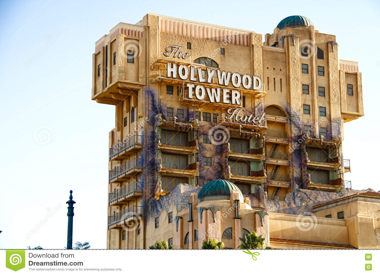 La torre de la zona crepuscular del hotel de la torre de Hollywood del terror