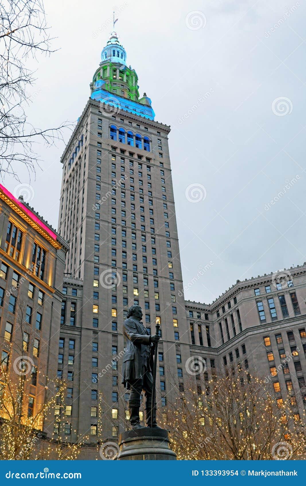 La torre terminal del hito histórico en la arena pública en Cleveland, Ohio, los E.E.U.U.