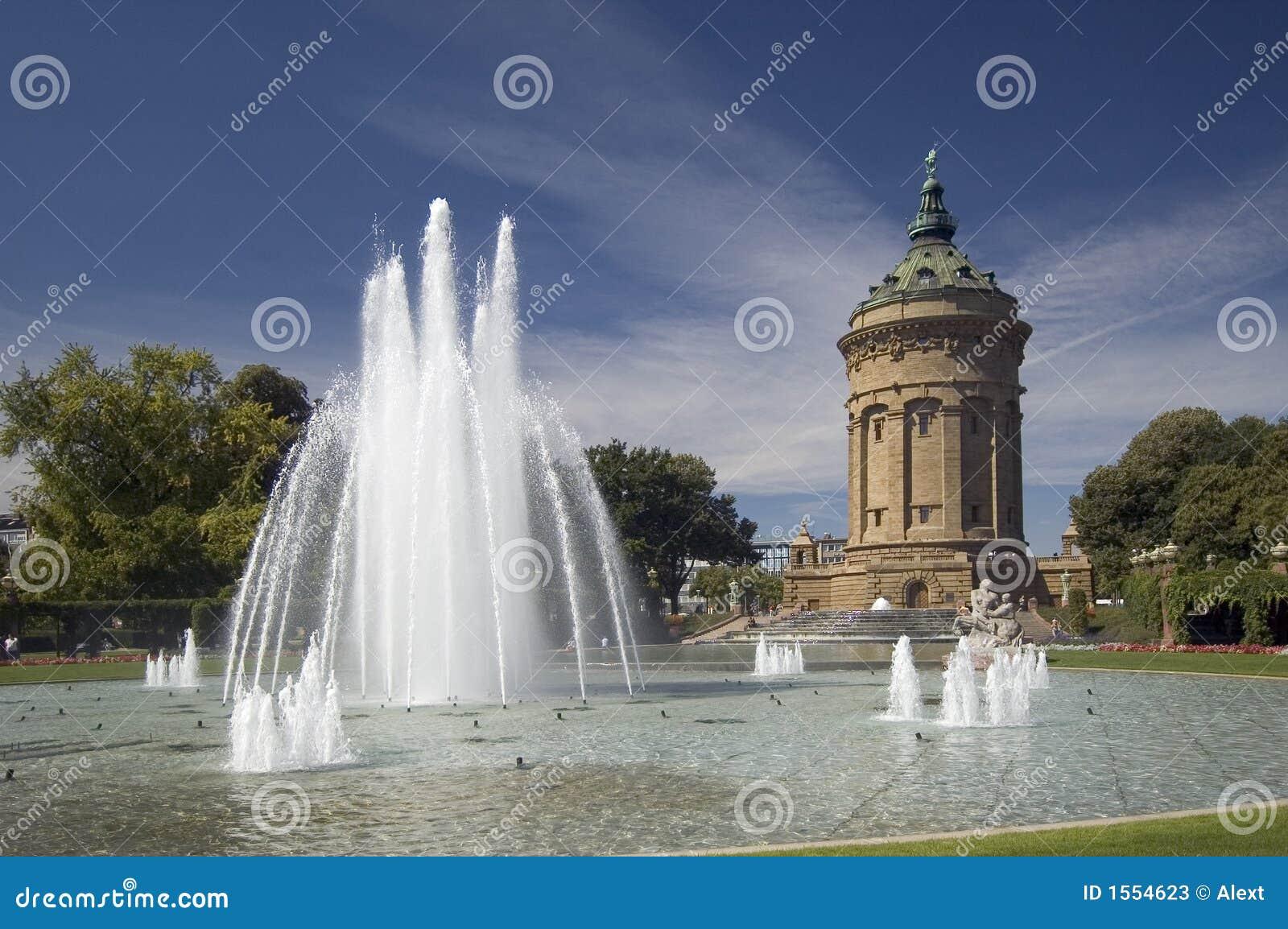 La torretta di acqua a Mannheim, Germania