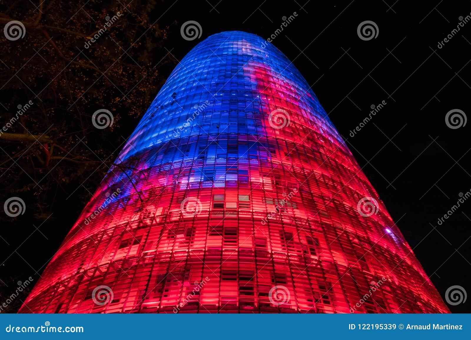 La tour d Agbar de gloires de Torre de Barcelone
