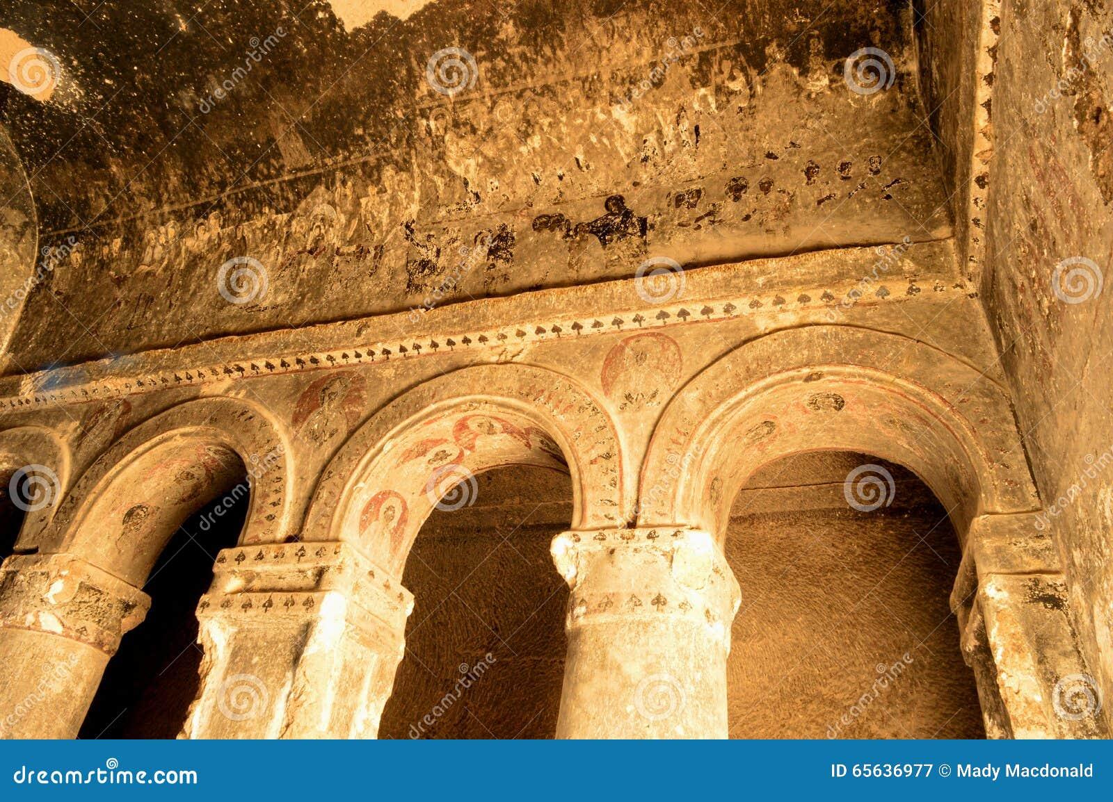 La Turquie : Fresques de cathédrale de Selime (église de roche)