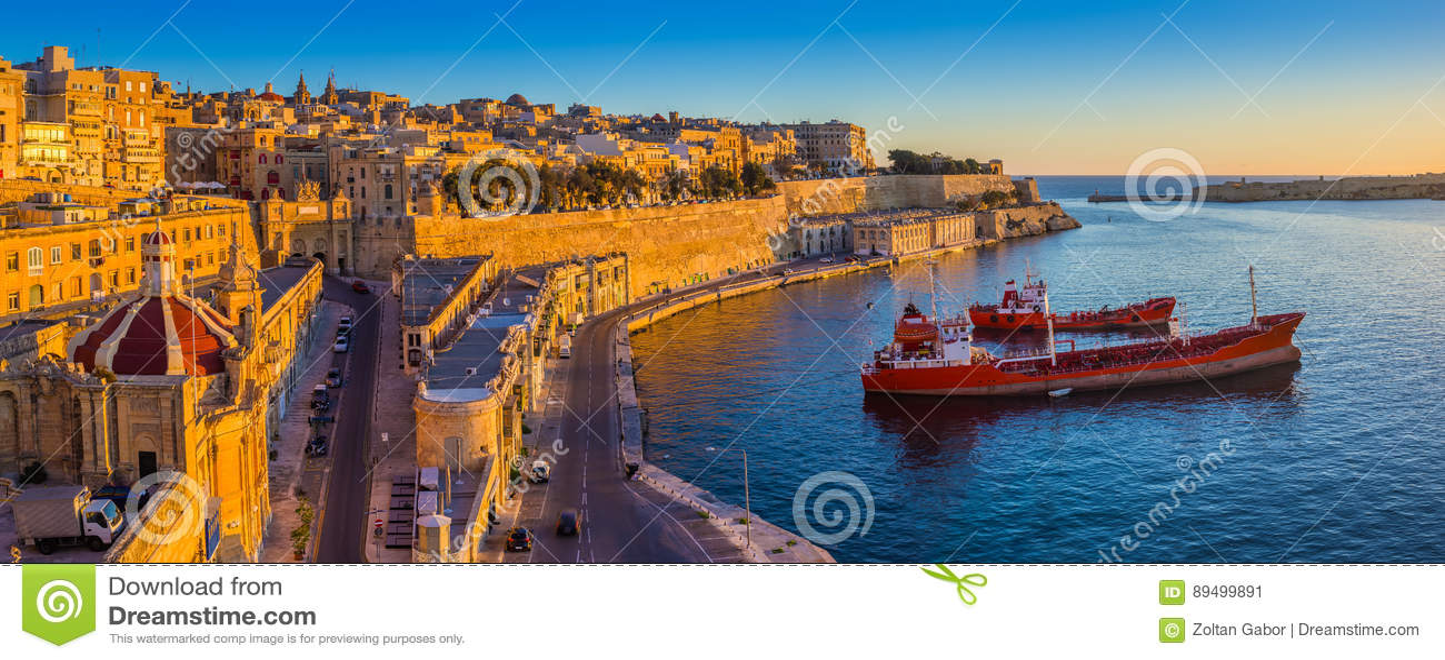 La Valette, Malte - vue panoramique d horizon de La Valette et le port grand