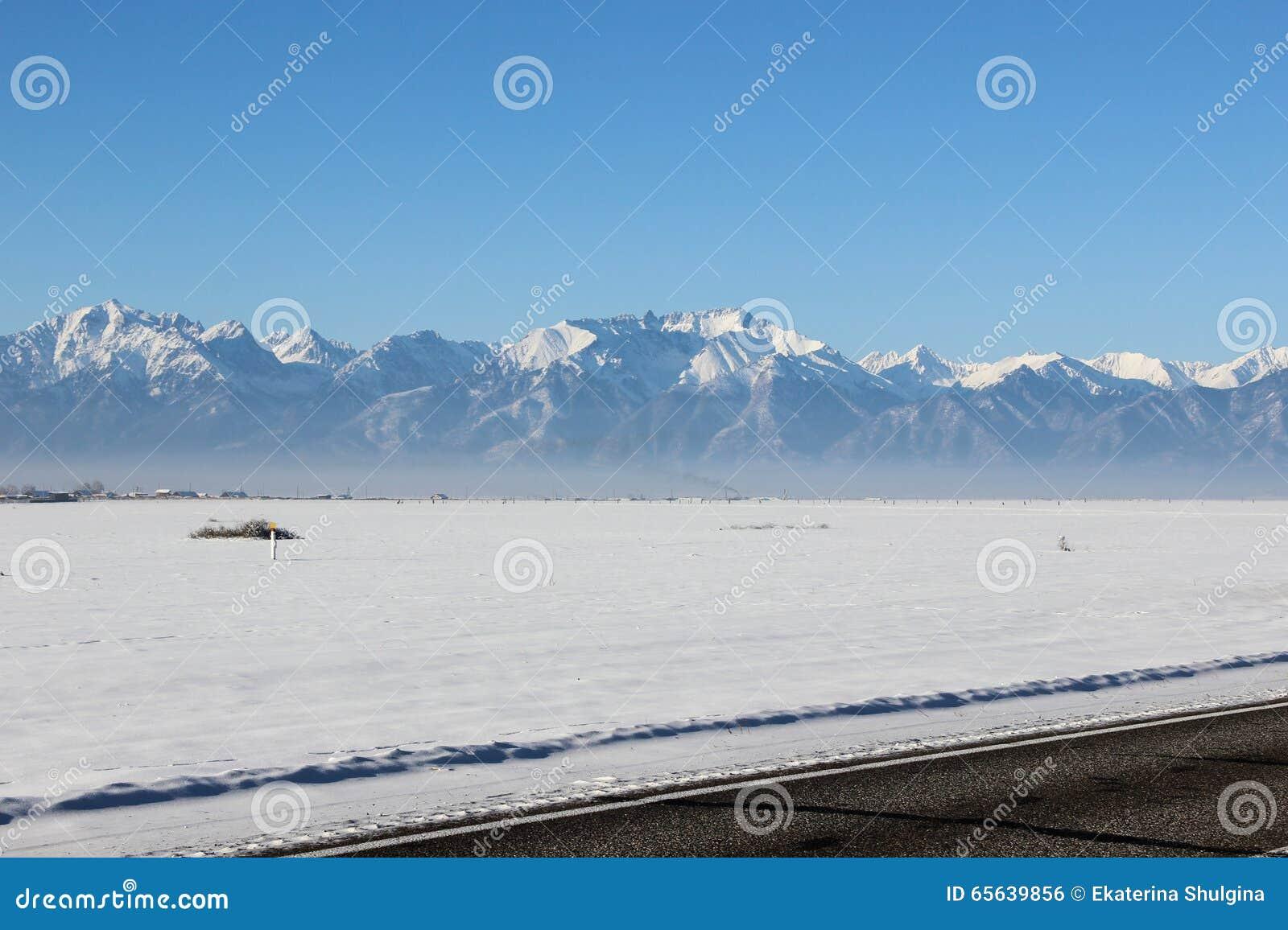La vallée couverte de neige