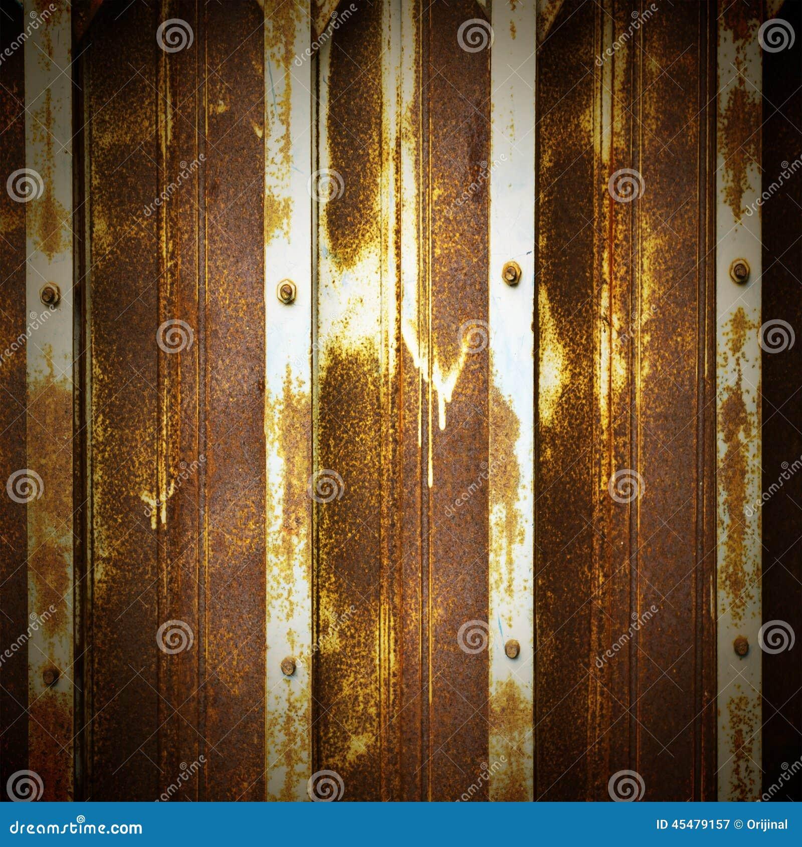 La vieille porte métallique peut employer le fond