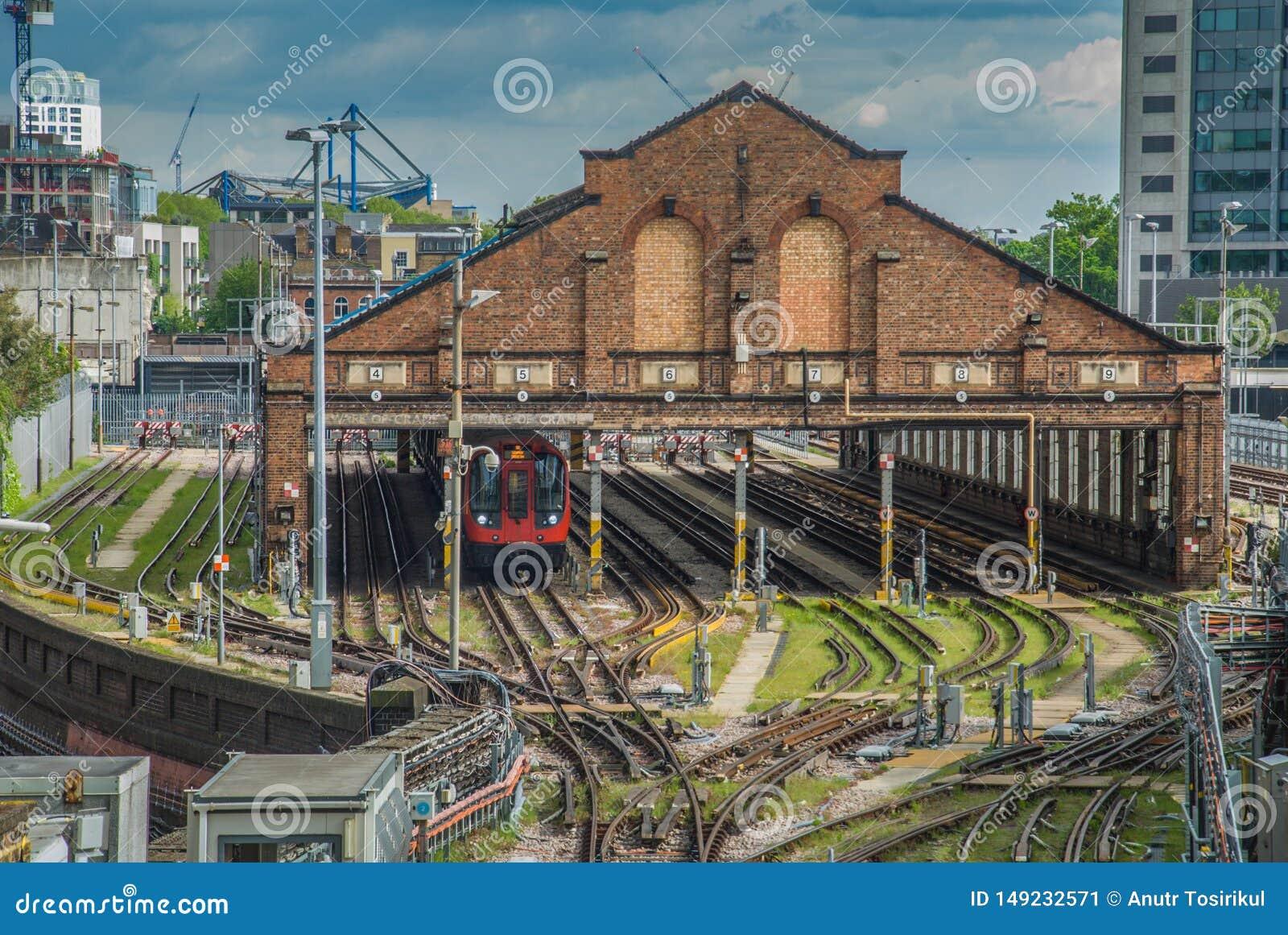 La vista del centro del ferrocarril en v?as del tren
